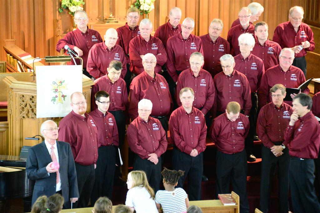 St. Andrews Sing-6 - Bob McGauley  Whole World in his Hands Intro.JPG